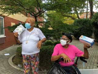 Kings County Seniors handing out PPE
